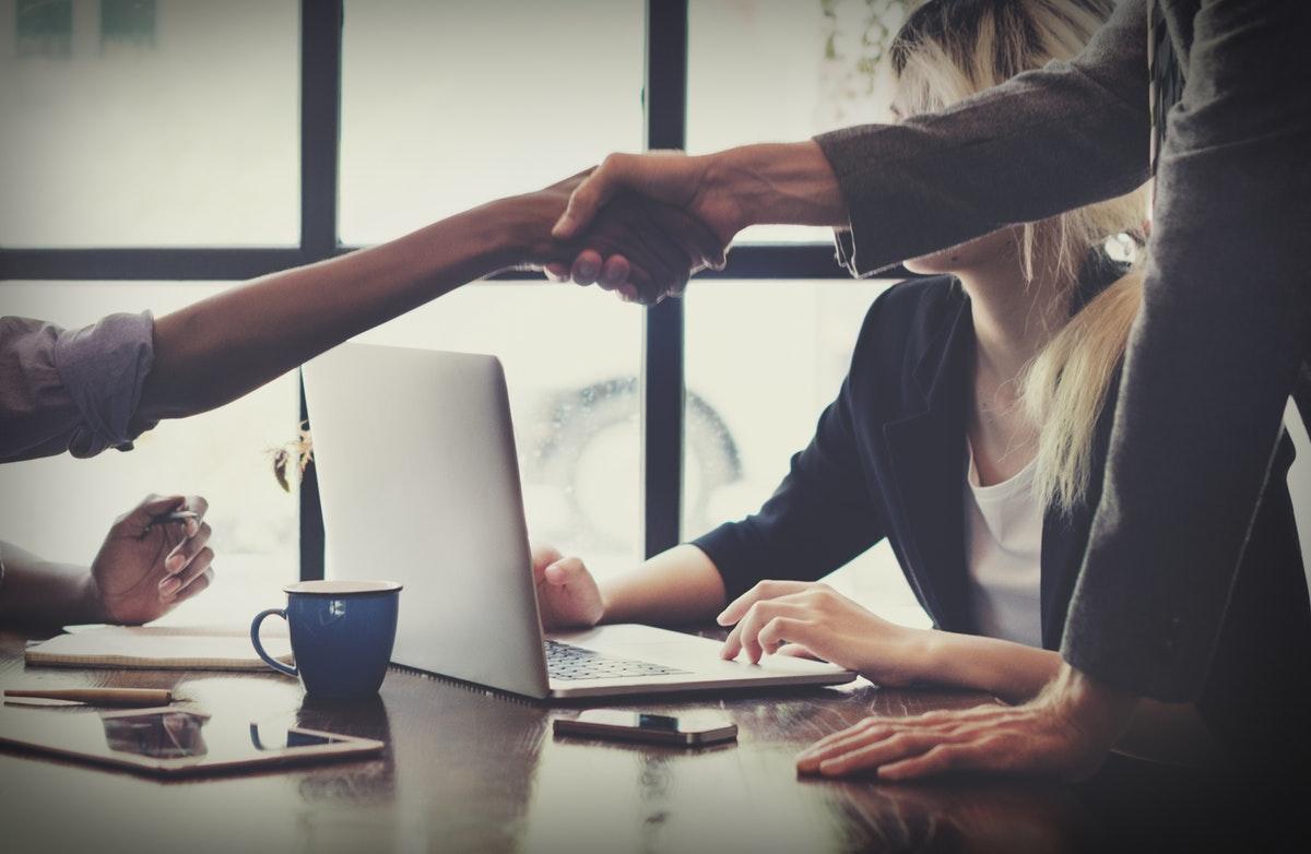 lenen geld lenen zonder bank leencontract afsluiten bij onafhankelijk specialist