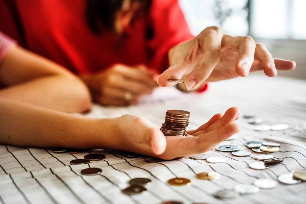 lenen leningen samenvoegen goedkoopste manier minder per maand betalen geld besparen meest voordelige en meest betaalbare