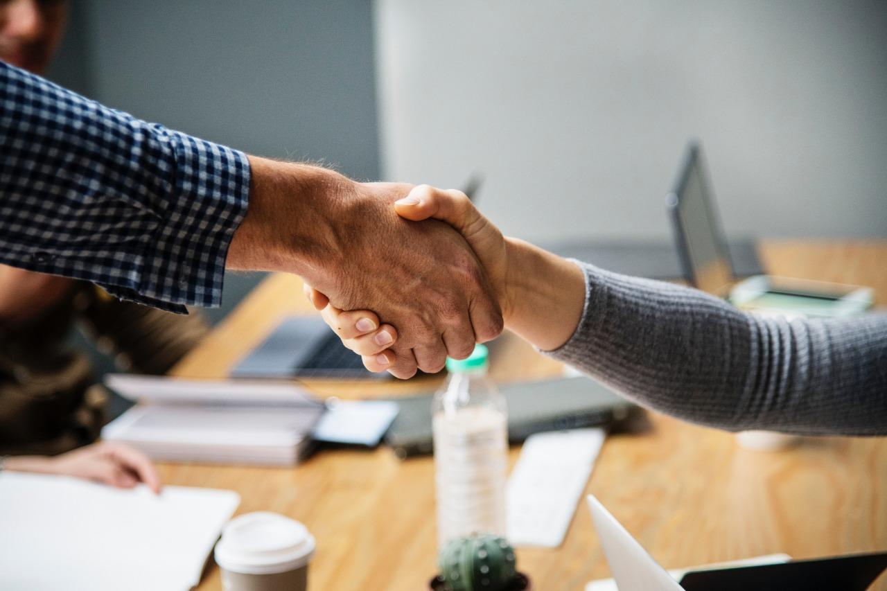 lenen wat gebeurt er met jouw aanvraag online simulatie lening indienen aanvraag binnen de 24 uur antwoord afspraak maken tekenen lening
