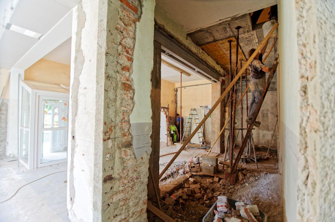 lenen renovatie aanpakken tips financieel plan renovatielening berekenen